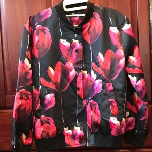 Satin bomber with tulips